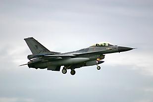 J-135 0502ehlw01